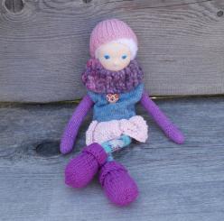"""Spendenprojekt: CHiEMi Handgestrickte Puppe """"Ellen"""""""