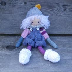 "Spendenprojekt: CHiEMi Handgestrickte Puppe ""Lotte"""