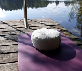 Michaela Thurmaier handgemachtes Yoga- & Meditationskissen