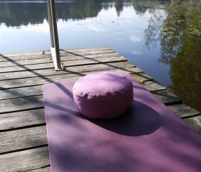 Michaela Thurmaier handgenähtes Yoga- & Meditationskissen
