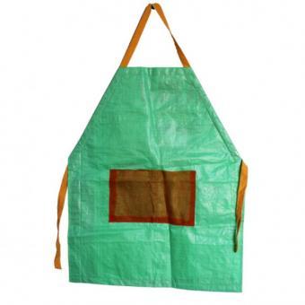 Upcycling Schürze grün aus fairem Handel